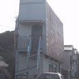 064:転んだ家