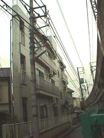 035:無理な屋上